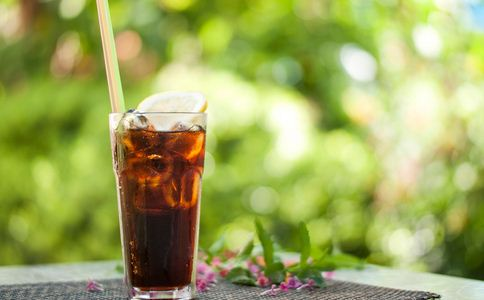 碳酸飲料致腎衰竭 導致腎衰竭的原因 如何避免腎衰竭